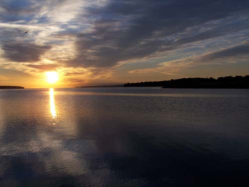 Barrie Lakeshore, Kempenfelt Bay, Lake Simcoe, Ontario Canada. Sunrise.